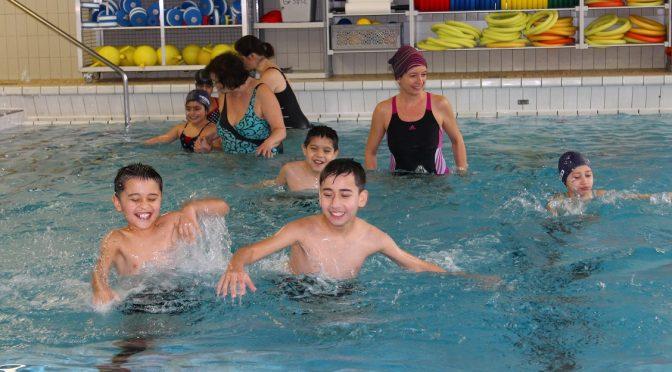 """""""Wir gehen jetzt Schwimmen…"""" – Gemeinnütziges Projekt des SV Eidelstedt und der Stadtteilschule Stellingen"""