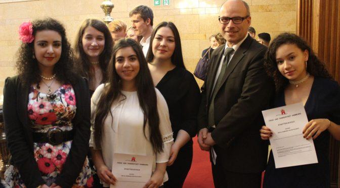 Schulsenator Ties Rabe gratulierte den 2017er Einser-Abiturientinnen und –Abiturienten der Hamburger Stadtteilschulen im Rathaus zu ihren tollen Leistungen